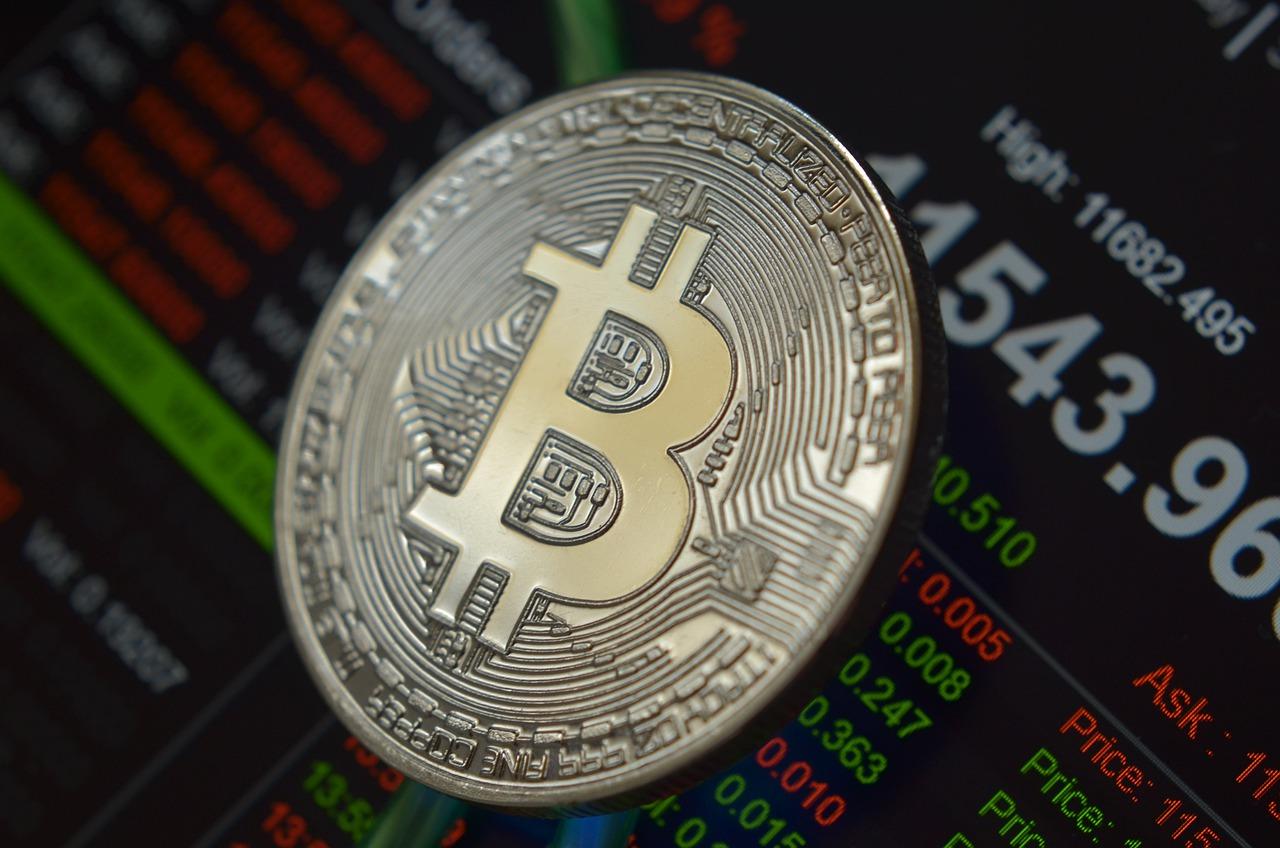 Bitcoin Dominance Slips To 3-Year Low As Liquidation Hits $2.5 Billion Longs