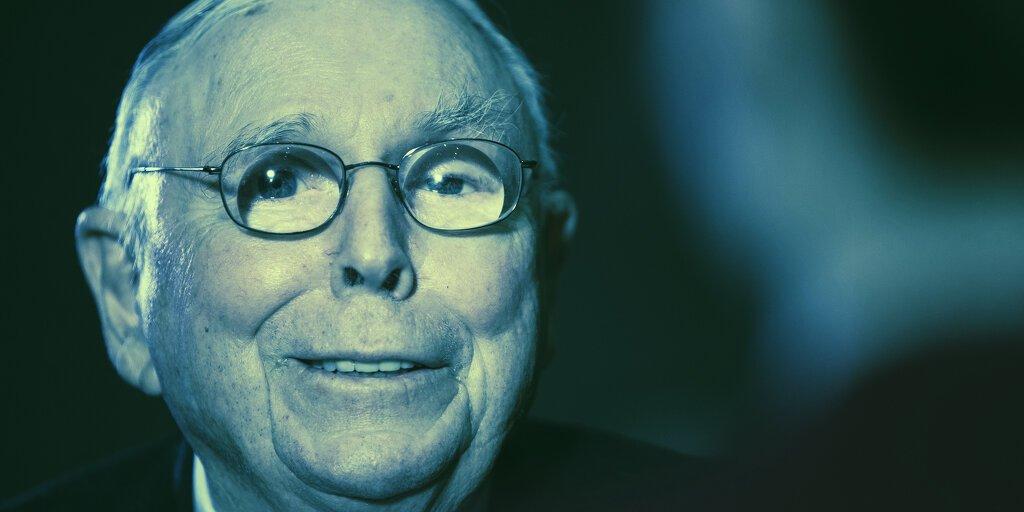Warren Buffett's Right-Hand Man: Bitcoin's Success is 'Disgusting'