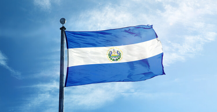 Economics professor warns El Salvador's move is ill-fated