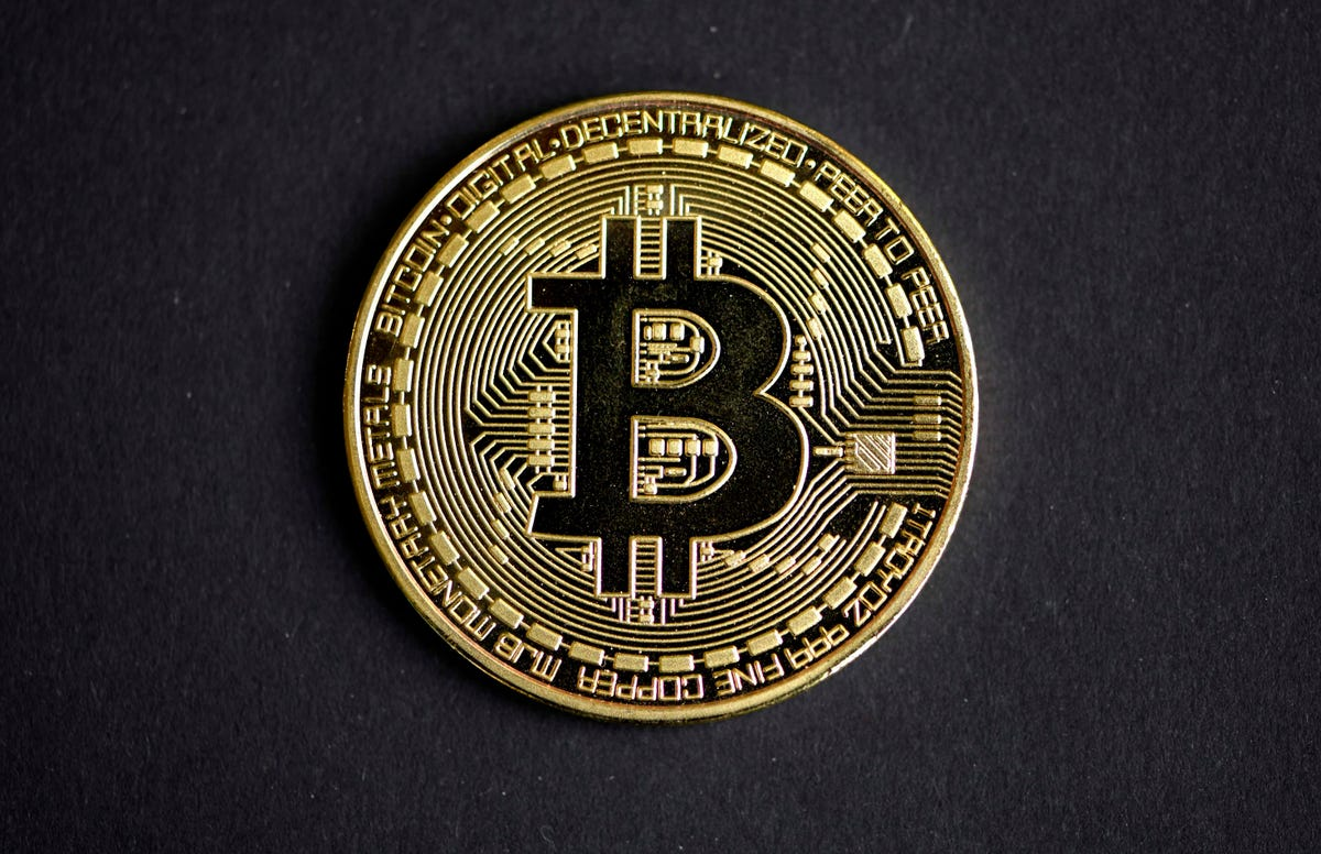 What Does Technical Analysis Tell Us About Bitcoin Prices?