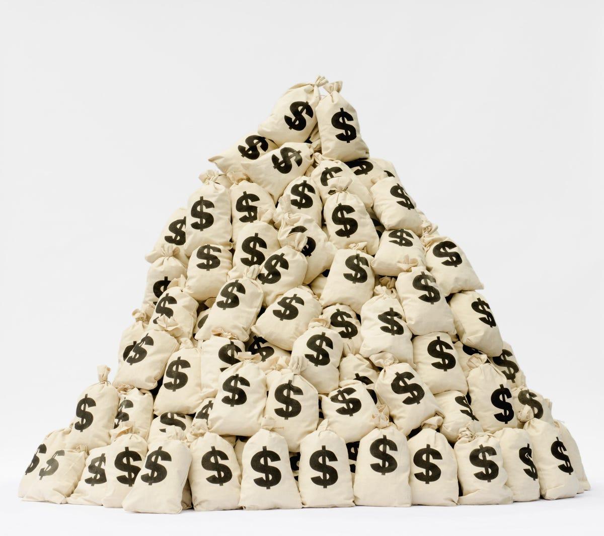 Bitcoin Slides Toward $30,000   New Crypto Funding Record