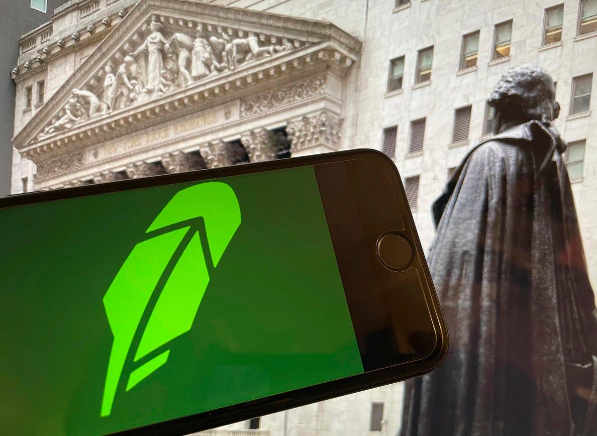 As Bitcoin Prices Slide Amid A Market Slowdown, Crypto-Charged Robinhood Seeks $32 Billion IPO Valuation